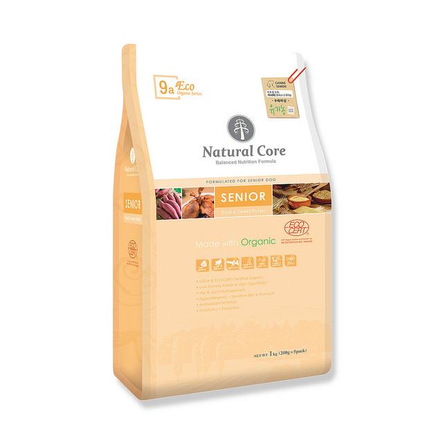 Thức ăn cho chó già Natural Cora thịt vịt 1kg